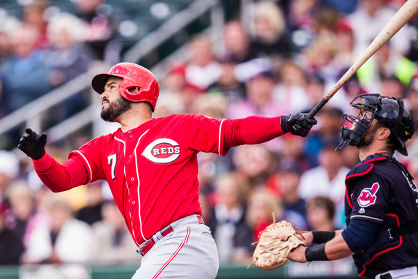 The Reds sign third baseman Eugenio Suarez to a contract extension