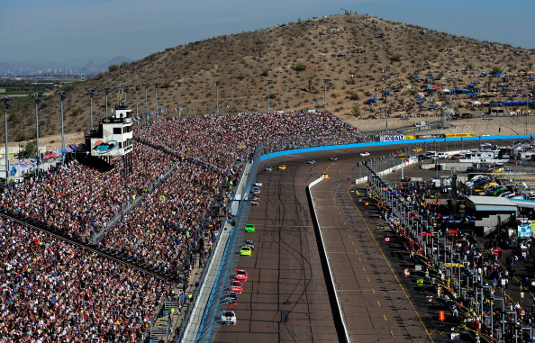 NASCAR at Phoenix: Starting Lineup, green flag start time ...