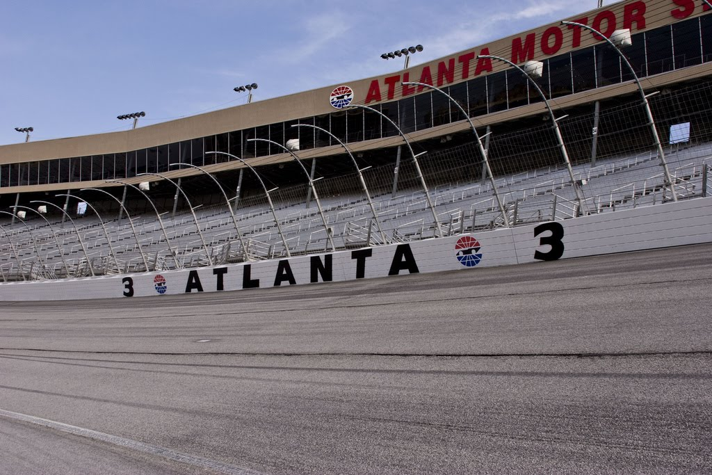 NASCAR moves up start of Atlanta race due to threat of rain