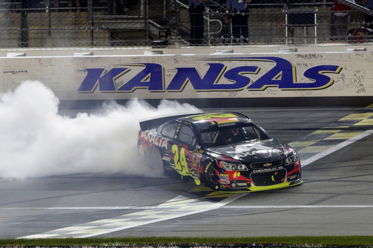 NASCAR at Kansas 2014: Weekend Schedule, Green Flag Start Time ...