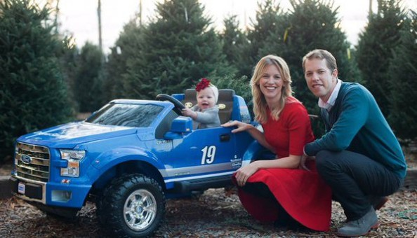 Brad Keselowski posts Christmas photos with daughter and ...