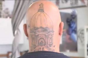 fan gets notre dame golden dome tattooed on his head tireball ncaa football news rumors. Black Bedroom Furniture Sets. Home Design Ideas