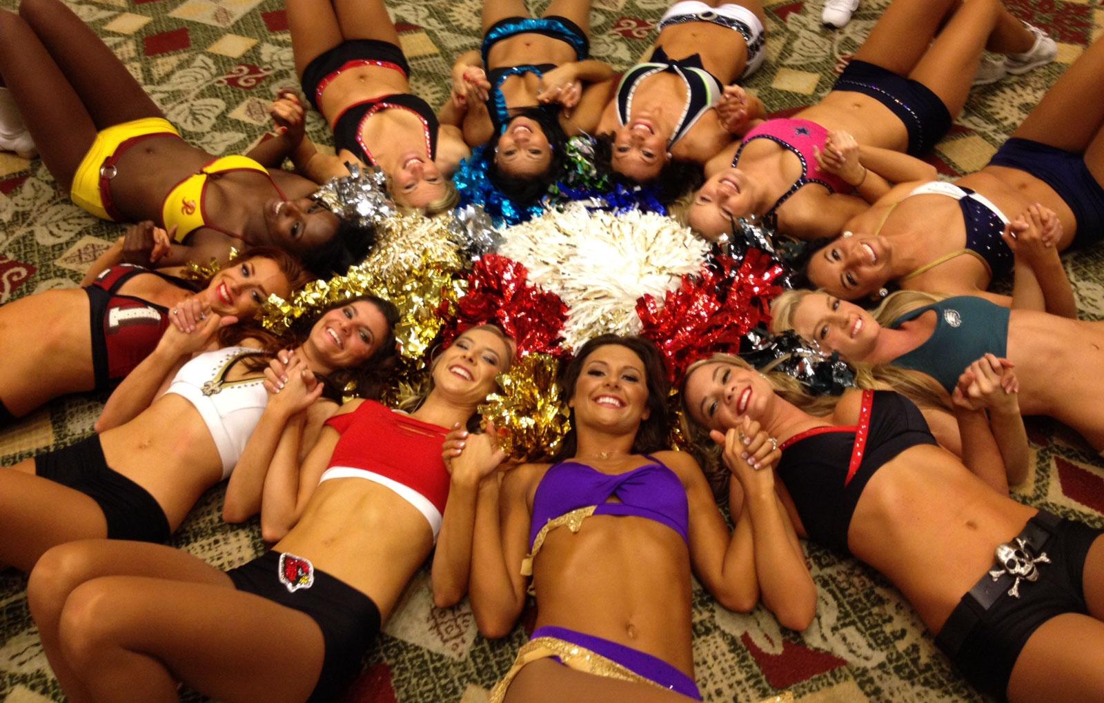 nfl players dating nfl cheerleaders