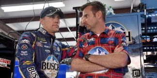 Kevin Harvick and crew chief Rodney Childers at the 2018 Talladega race